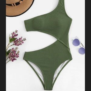 NEW shoulder cutout one piece swimsuit